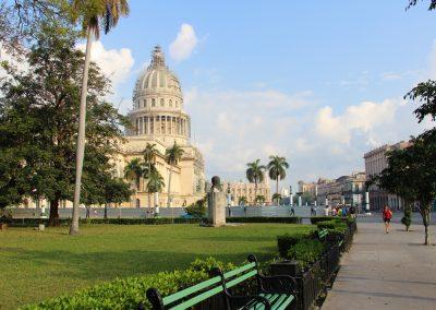 Parque de la Fraternidad mit Blick auf's Capitolio