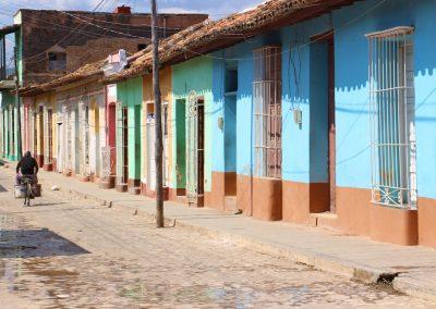 Die bunten Häuserfronten prägen das Stadtbild