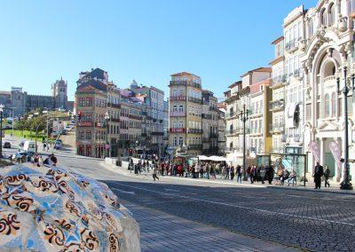 Am Bahnhof in Porto