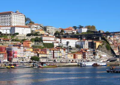 Blick auf die Altstadt von Porto von Vila Nova de Gaia
