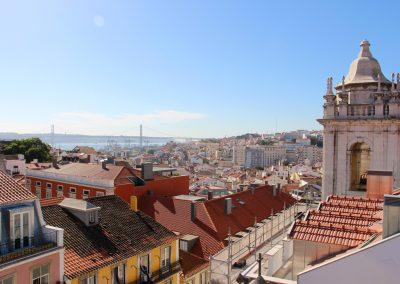 """Ausblick über Lissabon von der Bar """"Park"""" in einem Parkhaus"""