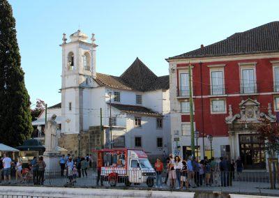 Miradouro Portas do Sol und die Igreja de Santa Luzia