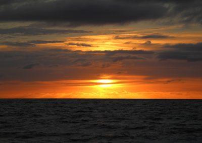 Sonnenuntergang am offenen Meer – es gibt fast nichts schöneres!