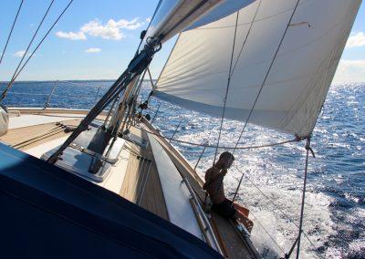 Dieses Gefühl, wenn einem der Wind um die Ohren saust und man zum ersten mal die Segel setzt.